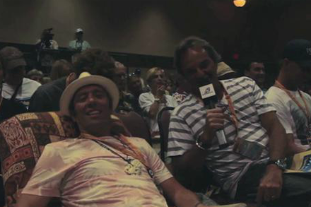 Hawaiian VIntage Surf Auction 2011 | Paul Naude on Fernando Aguerre